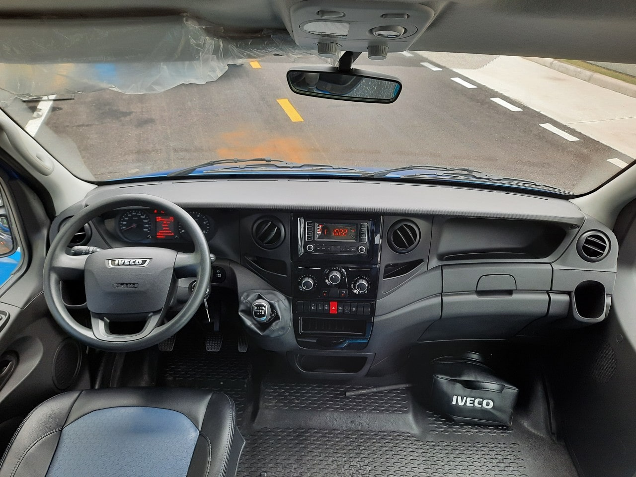 cabin rộng thoáng iveco Plus