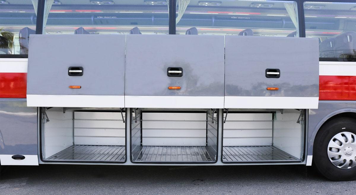 Hầm hành lý xe 47 chỗ Thaco Bluesky