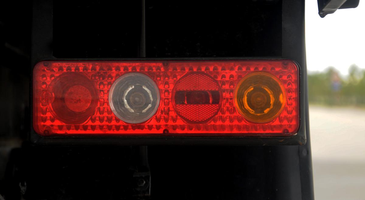 Đèn hậu xe ben 2.5 tấn Thaco FD250